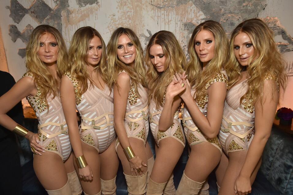 Heidi Klum estuvo acompañada por cinco modelos disfrazadas como ella con...