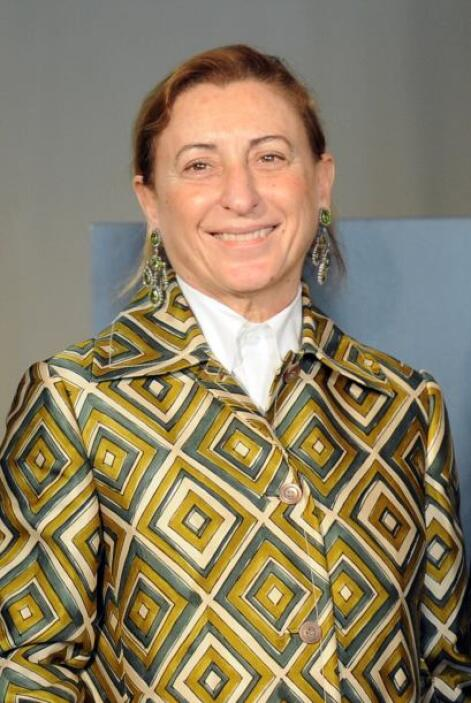 75.- MIUCCIA PRADA. La exquisita diseñadora italiana tiene una fortuna d...