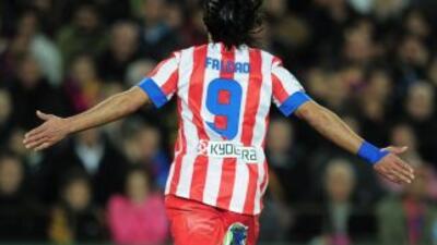 Falcao hizo el primer gol del Atlético ante Betis.