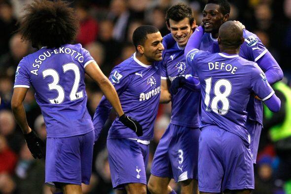 Tottenham se mantiene tercero.