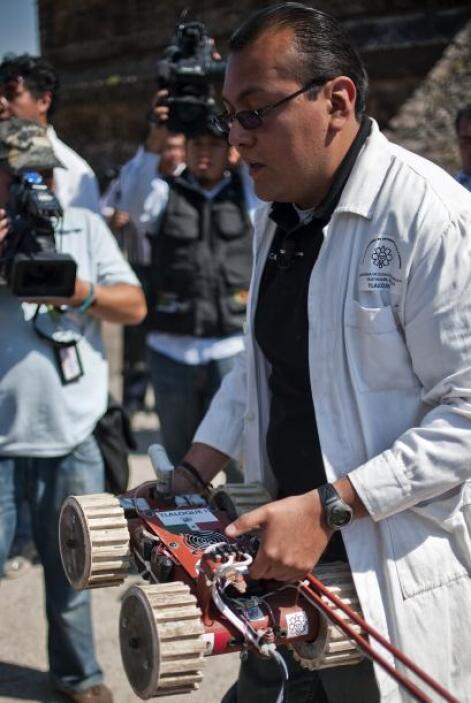 """Sergio Gómez Chávez, arqueólogo y director del proyecto """"Tlalocan: camin..."""