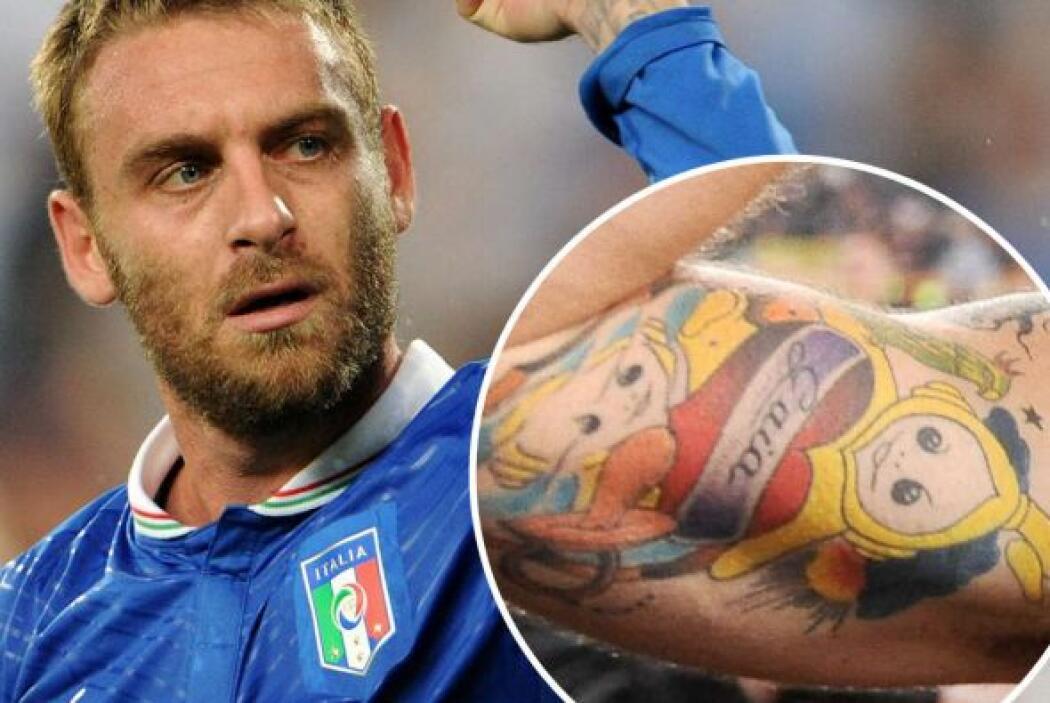 2. El italiano Daniele De Rossi tiene uno de los tatuajes mas llamativos...