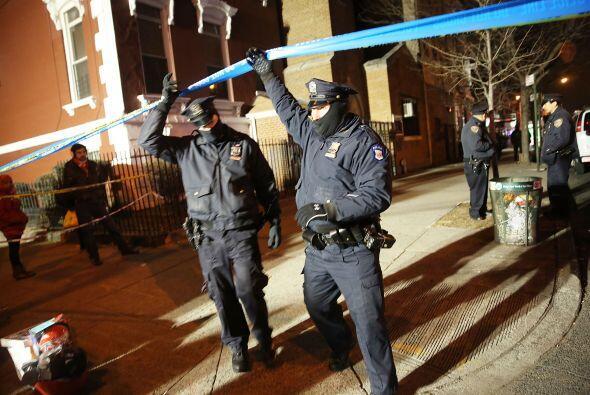 En las inmediaciones del lugar, un fuerte operativo de seguridad realizó...
