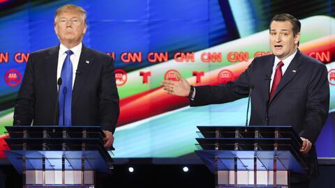 Donald Trump y Ted Cruz en el debate patrocinado por CNN y Telemundo dur...