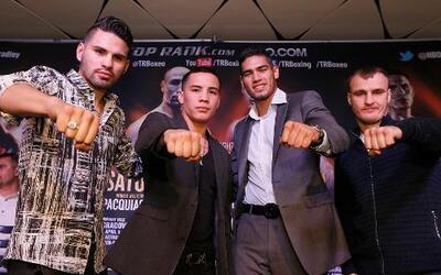 Los boxeadores mexicanos Gilberto Ramírez y Oscar Valdez, además de José...