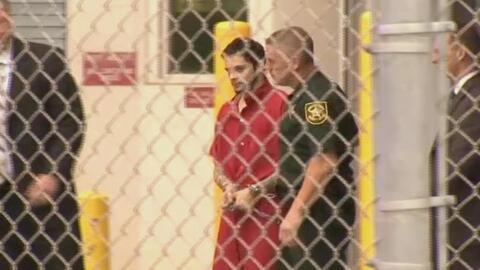 En video: trasladan al autor del tiroteo en Fort Lauderdale a la corte p...