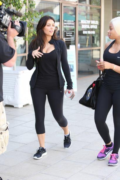 Kim grababa escenas para su reality show con su nueva BFF, la ex strippe...