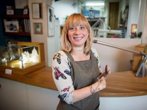 Annette Gabbedey es una mujer extraordinaria por sus capacidades.