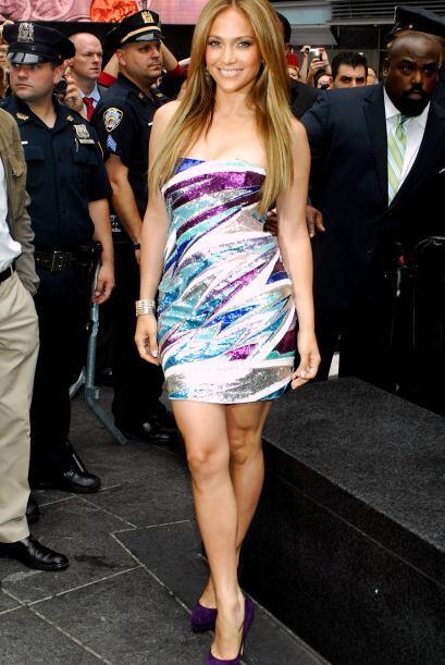 10:¡Llena de color! En un evento hecho por Billboard en el 2010, Jennife...