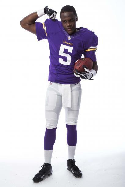 N°13 Los Minnesota Vikings con el #5 del QB Teddy Bridgewater (AP-NFL).