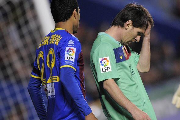 Messi no se veía en su mejor día y estaba muy impreciso.