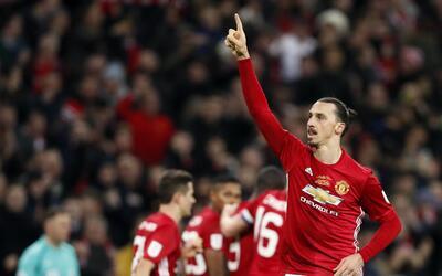 Zlatan Ibrahimovic del Manchester United tras marcar el gol para la vict...