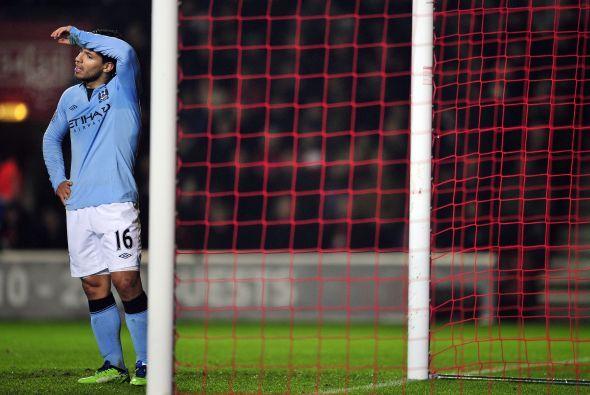 Pésimo partido del Manchester City que prácticamente se despide del título.