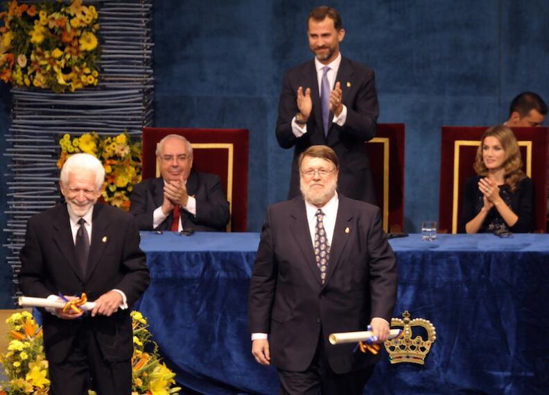 Martin Cooper (izquierda) y Raymond Tomlinson (derecha), Premio Principe...