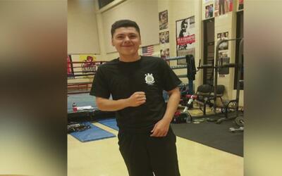 Un joven de 15 años murió tras recibir varios disparos mientras caminaba...