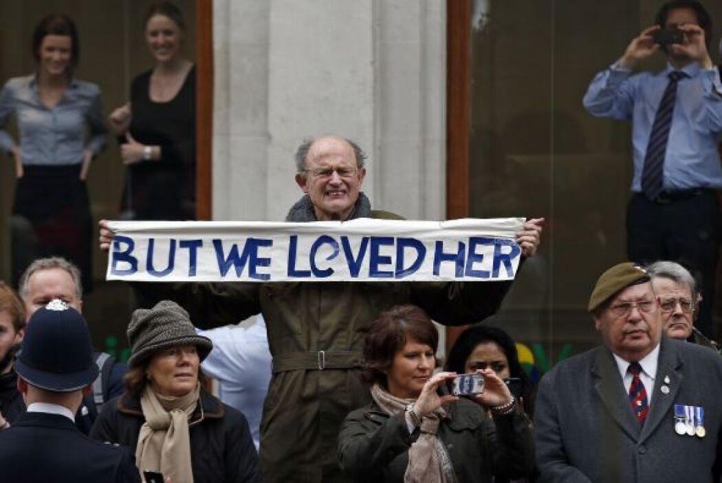 Sin embargo sus más ardientes partidarios la elogiaron como la mejor pri...