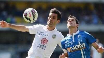 El mexicano disputó todo el encuentro ante Empoli y lució en defensa.