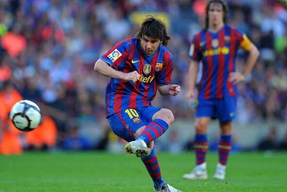 Lionel Messi y sus compañeros lograron dominar el duelo desde los primer...