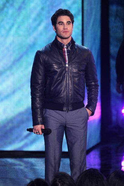 """Darren Criss también cambió de """"outfit"""". Mira aquí lo último en chismes."""