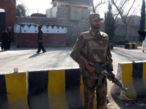 El ataque suicida registrado en Pakistán dejó al menos 43...