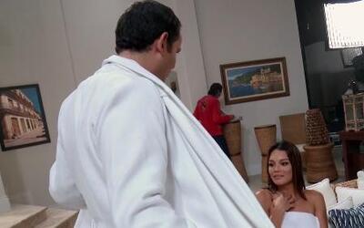Alan Tacher le mostró sus encantos a Zuleyka Rivera en el set de 'Cosita...