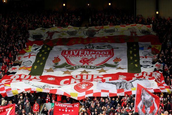 Liverpool reicibió la visita del Manchester United con un estadio colmad...