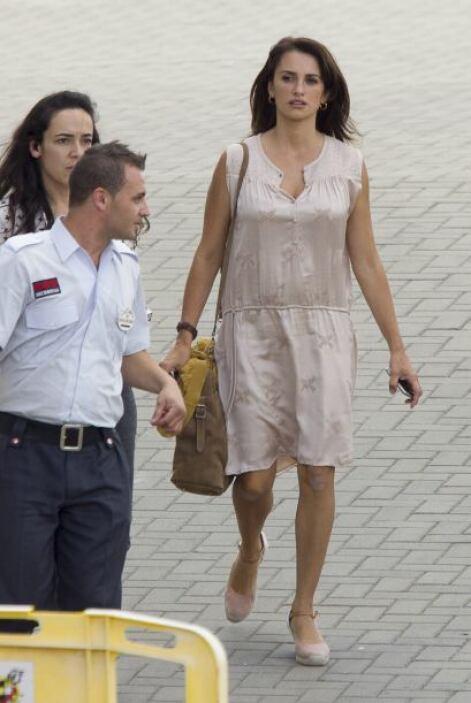 """La española llegó al set de su nuevo proyecto en Madrid, """"Ma Ma"""", muy na..."""
