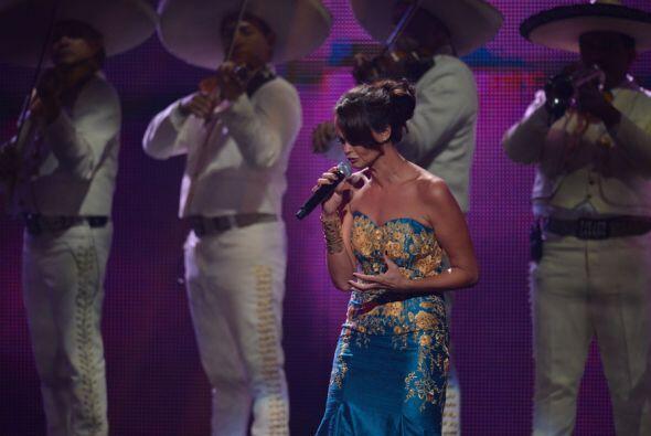 Shaila Dúrcal cantó con mariachi una de las canciones más conocidas de J...