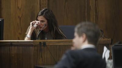 La viuda Chris Kyle rompió en llanto mientras declaraba cómo había sido...