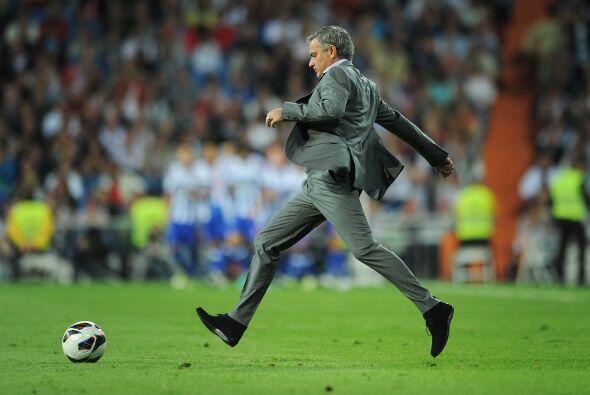 Momento, ¿José Mourinho se molestó tanto que pidió entrar de cambio? No,...