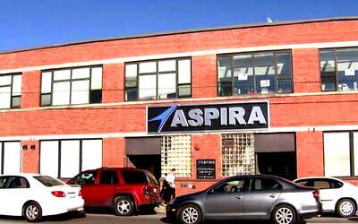 Maestros de escuelas chárter ASPIRA en Chicago harían huelga si no hay a...