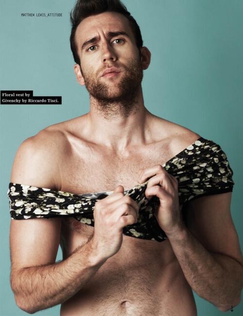 Matthew Lewis en la revista Attitude