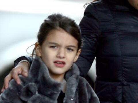 A la hija de Katie Holmes y Tom Cruise obviamente no le falta nada... Má...