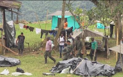 Las FARC no entregarían las armas hasta que las zonas veredales estén co...