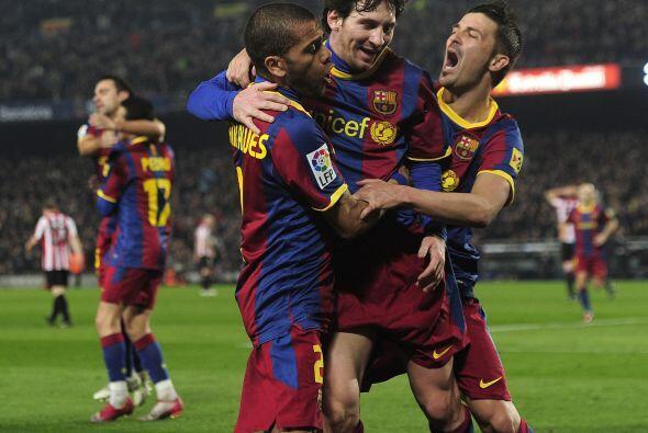 El argentino, con su clase, sólo empujó el balón al...
