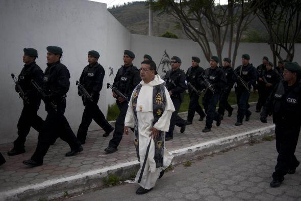El Gobierno de Ecuador ha cambiado toda la dirección de la Polic&...