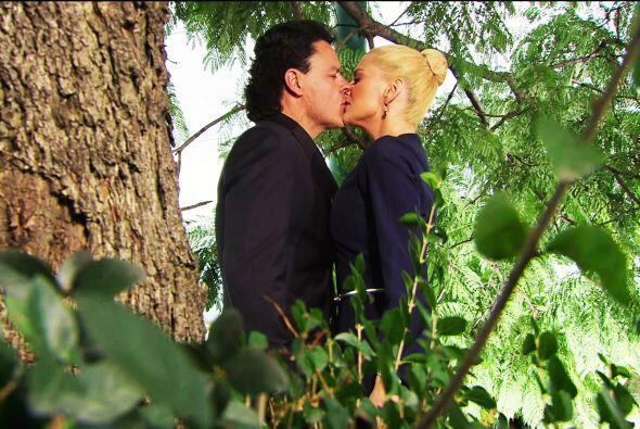 Pues parece que sí, finalmente tú y Chavita se dieron su primer beso.