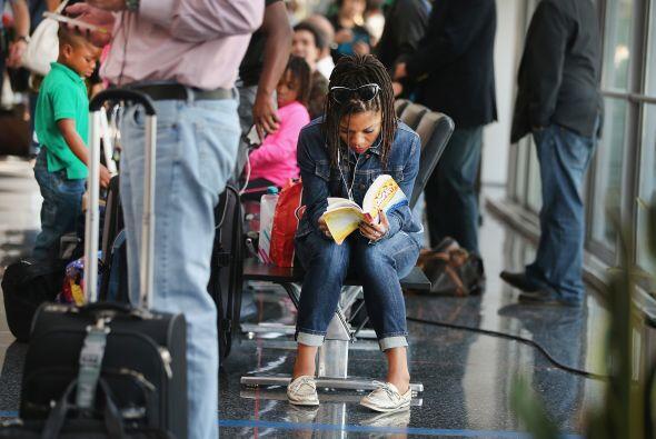 Caos en aeropuertos de Chicago por fuego