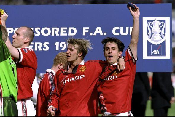 Además ganó de dos Copas de Inglaterra (1996 y 1999).