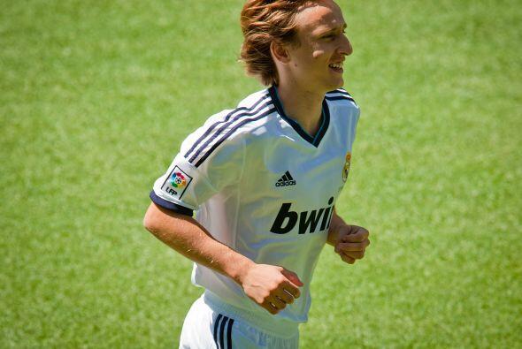 El tan sonado volante Luka Modric, literal, por ifn se vistió de blanco...