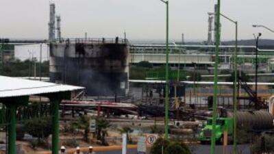 Explosión en planta de Pemex dejó al menos 29 muertos.