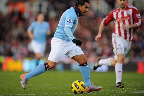 Manchester City no pudo ante el Stoke City y terminó empatando 1...