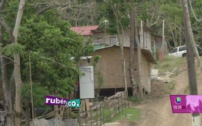 Residentes van tras la compra legal de los terrenos de Villa Esperanza