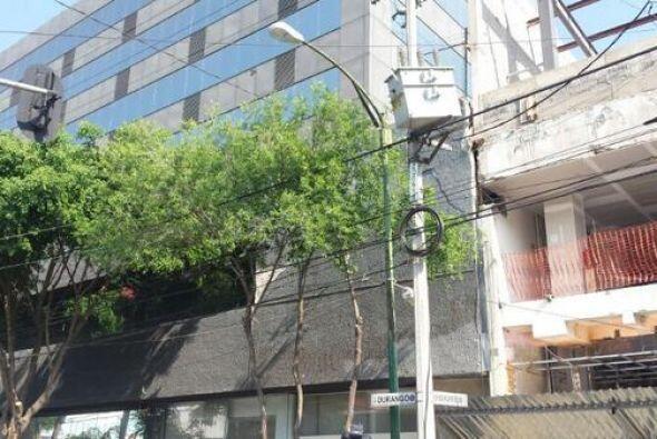 Aquí la imagen de un transformador afectado en la calle de Durango, en e...