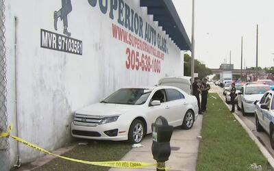 Arrestado hombre que intentó atropellar a agente de la Policía de Miami-...