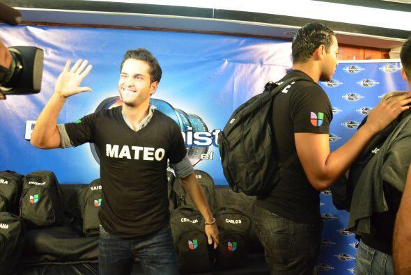 Mateo Restrepo con la camiseta negra listo para el desafío.