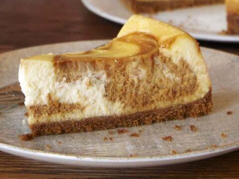 'Cheese cake' con remolinos de dulce de leche: Unir dos de los mejores p...