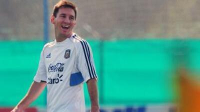 Messi fue el encargado de arrancar con las votaciones para elegir elFIF...