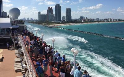 Florida despide al primer crucero en cubrir la ruta Miami-La Haban en me...