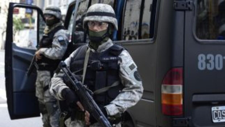 Fuerzas del orden en Colombia enfrentan la amenaza de los narcotraficant...